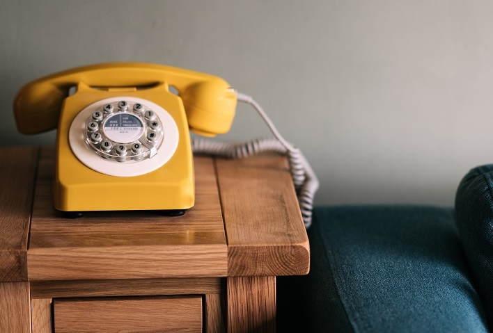 telefono-antiguo-vintage-cuidado